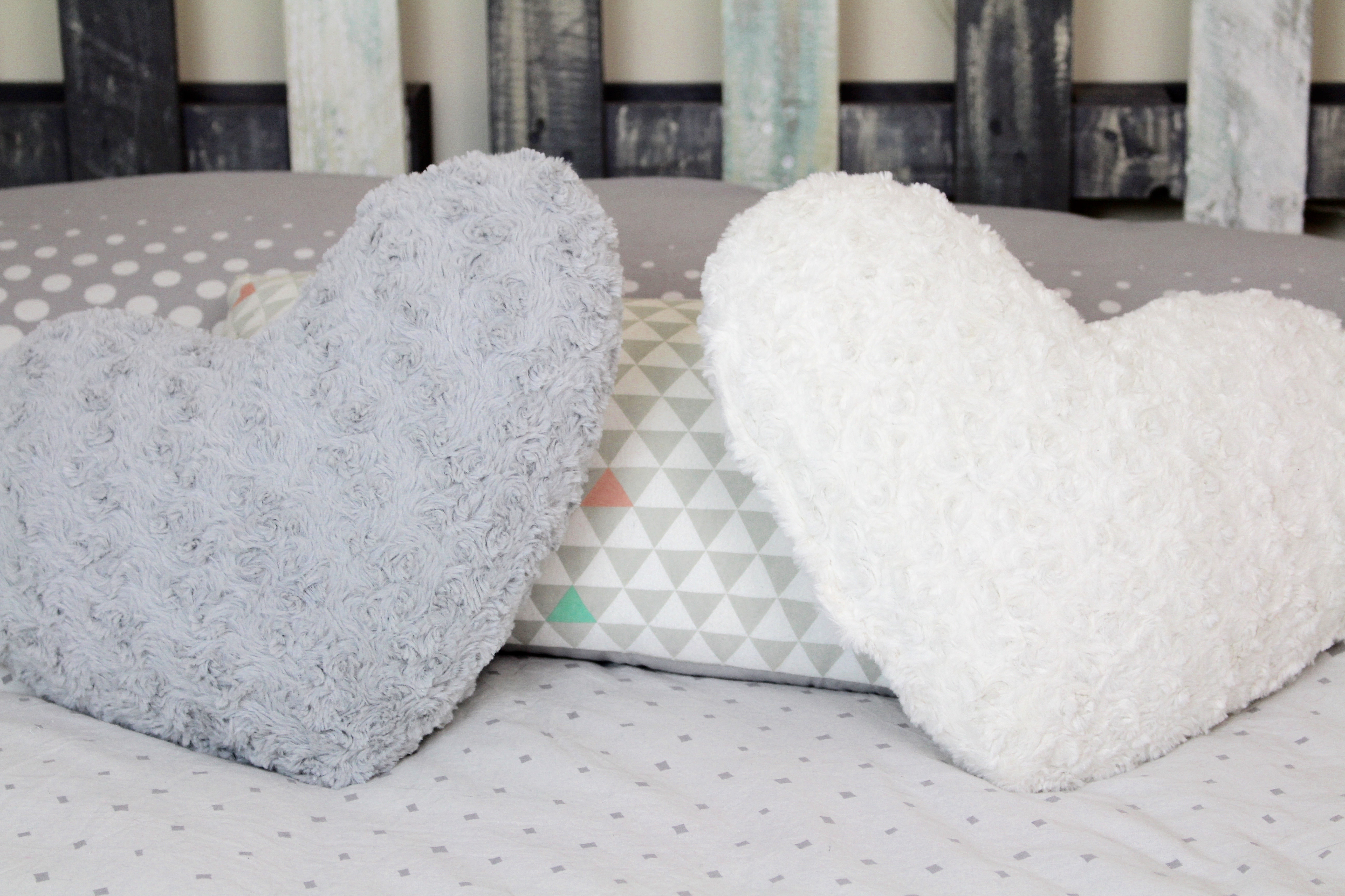 l 39 instant couleur diy la jolie t te de lit grise the. Black Bedroom Furniture Sets. Home Design Ideas