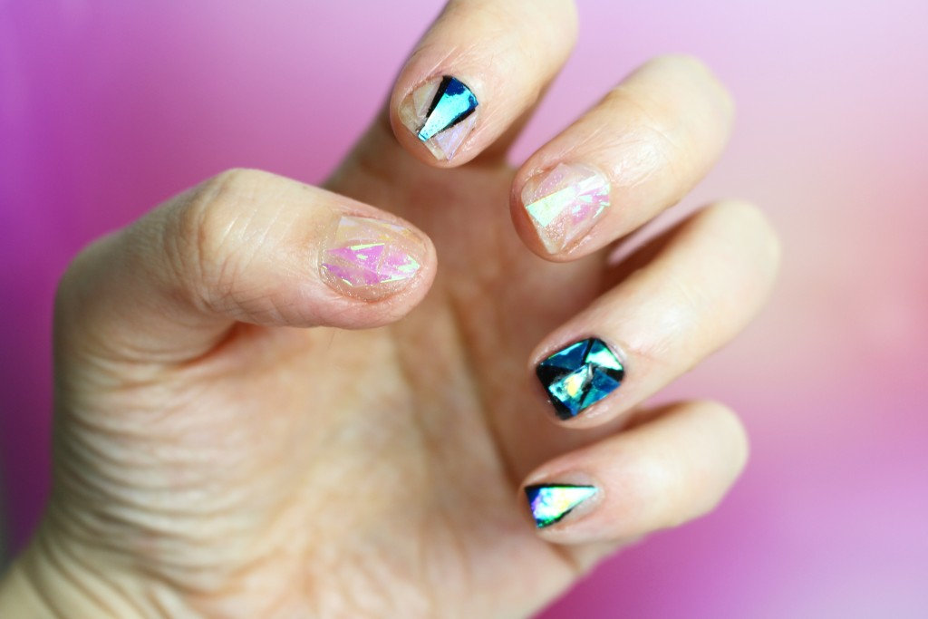 Shattered Glass, la nouvelle tendance Nail Art